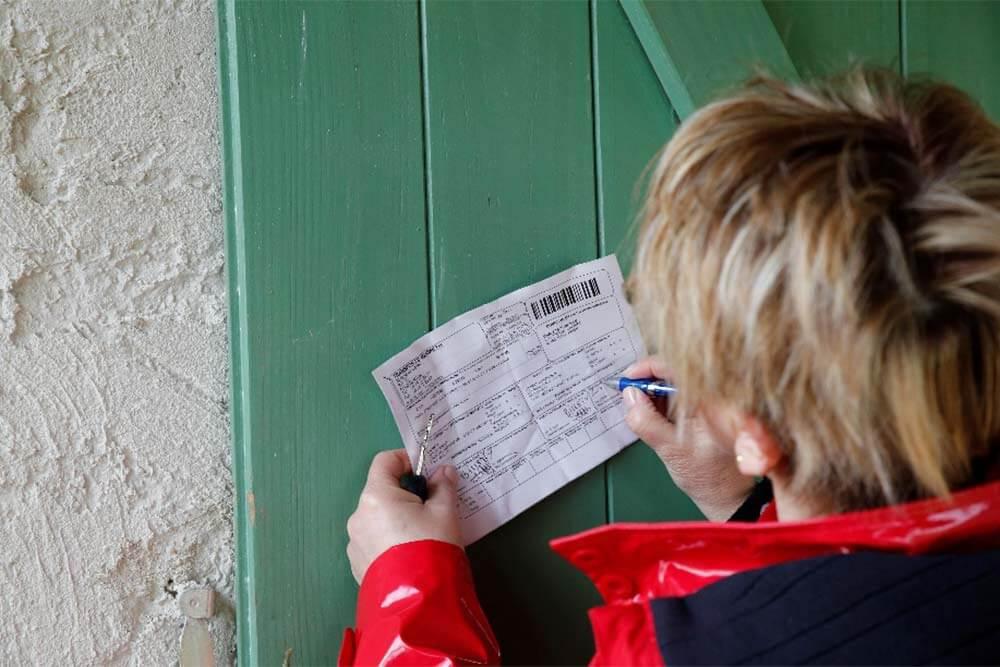 La signature et le nom du client sont indispensables pour valider la livraison.